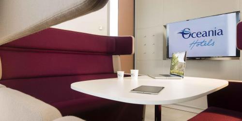 Espace coworking - Hotel 4 etoiles Oceania rennes  (3).jpg