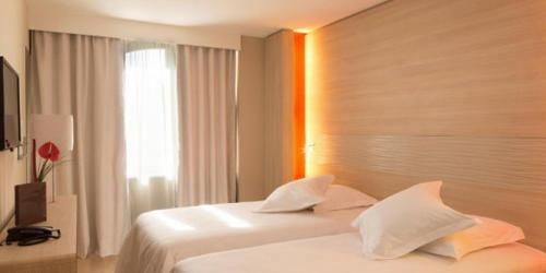 Chambre - Hotel 4 etoiles Oceania rennes (11).jpg