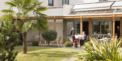 Terrasse - Hotel 4 etoiles Oceania rennes (2).jpg
