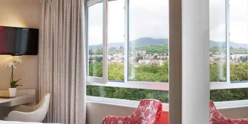Chambre - Hotel Oceania Clermont ferrand 4 etoiles (12).jpg