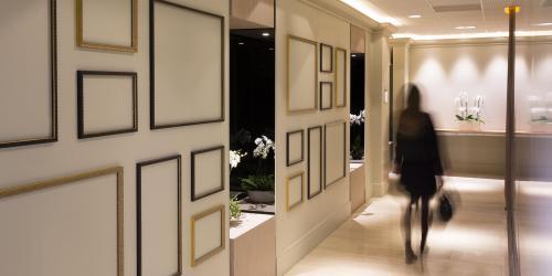 hotel-4-etoiles-dijon-oceania-le-jura-couloir.jpg