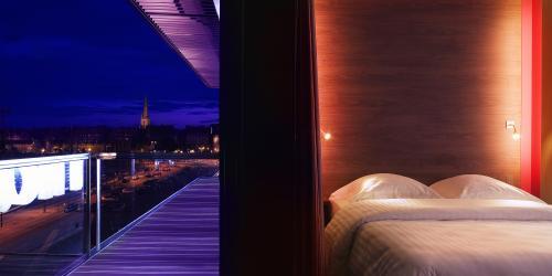 Chambre Océane, vue sur le port - Hôtel Oceania Saint-Malo 4 étoiles.jpg