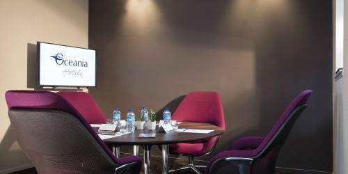 Espace coworking - Hotel 4 etoiles Oceania rennes  (1).jpg