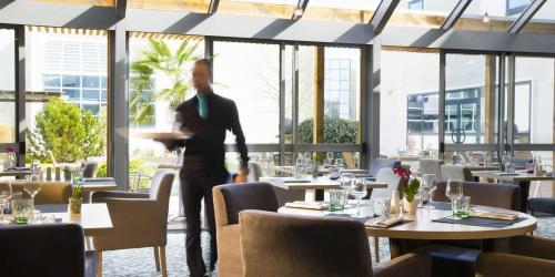Restaurant - Hotel 4 etoiles Oceania rennes (3).jpg