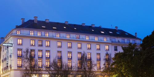 Facade Hotel Oceania 4 etoiles Le Continental Brest (11).jpg