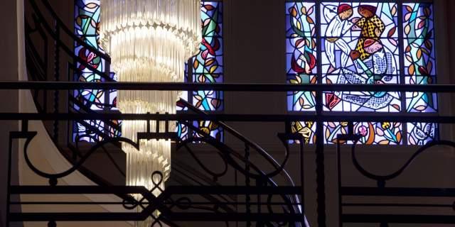 Hotel Oceania 4 etoiles Le Continental Brest - Escalier.jpg