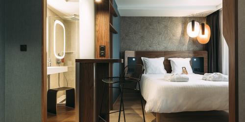 Junior Suite - Oceania Paris Porte de Versailles.jpg