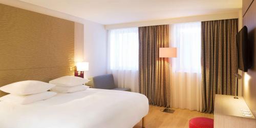 Chambre - Hotel 4 etoiles Oceania rennes (4).jpg