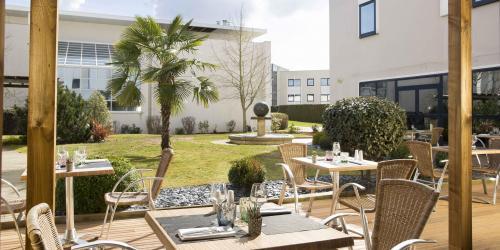 Terrasse - Hotel 4 etoiles Oceania rennes.jpg