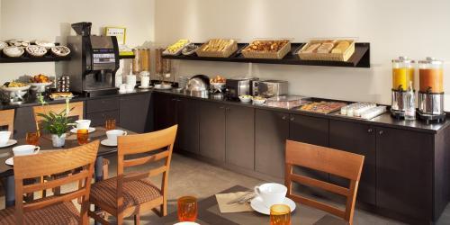Hotel 3 etoiles Nantes Escale Oceania - Petit déjeuner buffet.jpg