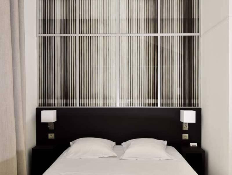 Oceania Hotel de France Nantes 4 star - Artist Room 107 Justin Weiler